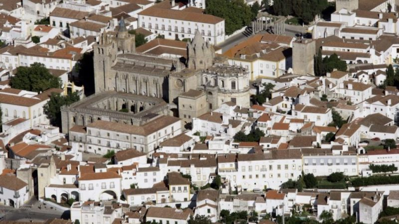 Top-Tour-Aerial-View-Of-Evora-Portugal