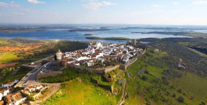 Top-Tour-Aerial-View-Of-Reguengos-de-Monsaraz-Portugal-2