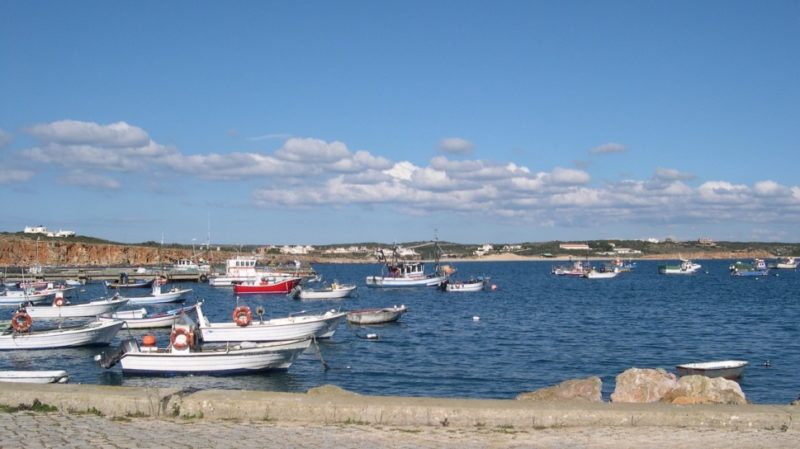 Top-Tour-Fishing-Boats-In-Lagos-Bay-Portugal