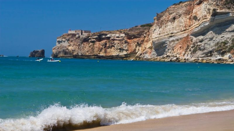 Top-Tour-Naraze-Beach-and-Cliff-Portugal