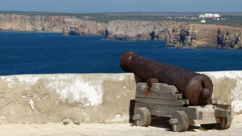 Top-Tour-Old-Cannon-In-Sagres-Frostress-Portugal