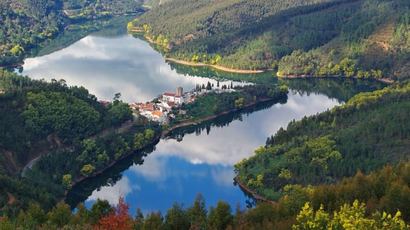 top-tour-aerial-view-of-the-templar-village-of-dornes-portugal