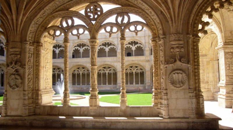 top-tour-jeronimos-cloister-lisbon-portugal