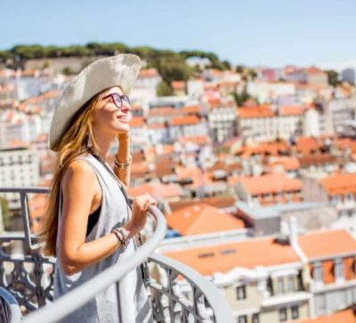 top-tour-lisbon-tourist-at-viewpoint-portugal
