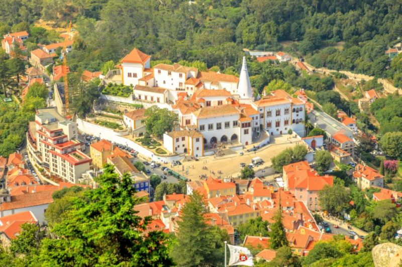 top-tour-view-of-sintra-nacional-palace-from-the-moorish-catle-sintra-portugal