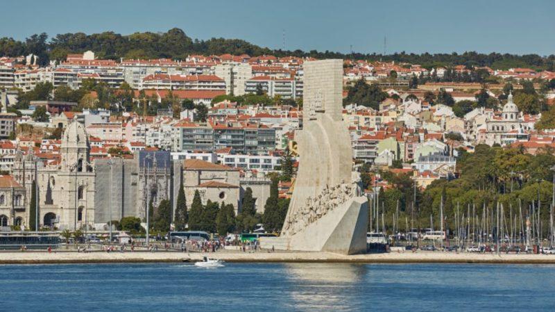 Top-tour-pradao-dos-descobrimentos-seen-from-the-river-tagus-lisbon-portugal